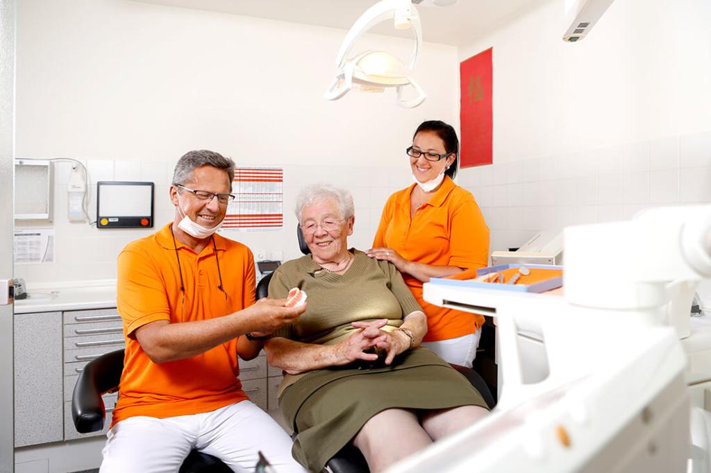 Günstiger Zahnersatz Kassel in Guxhagen - Praxis Dr. Bernd - beim Zahnersatz sparen – mit Zahnersatz aus dem Ausland